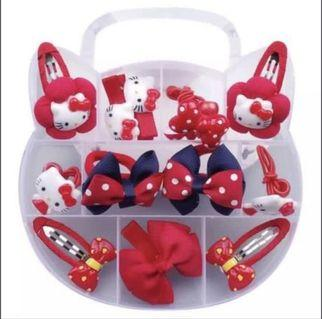 BNIB Gift Hello Kitty Girl Hair Accessories Set