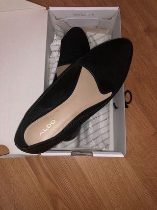Aldo Kappa Flats Size 9