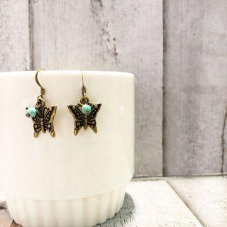 🚚 Handmade Earrings $8 for 2 set