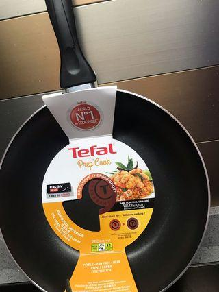 CLEARANCE SALE Tefal Thermo-Spot Non-stick Fry Pan