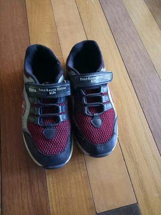 Sepatu anak polo