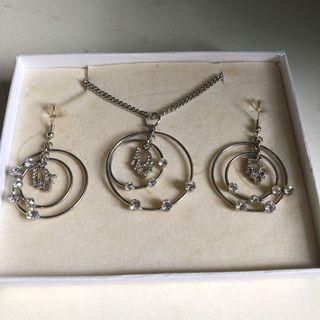 Dior Necklace set.