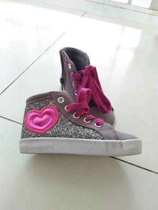 Sepatu anak keren