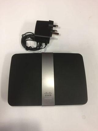 🚚 Used but not abused Cisco Linksys E4200 Router for sale