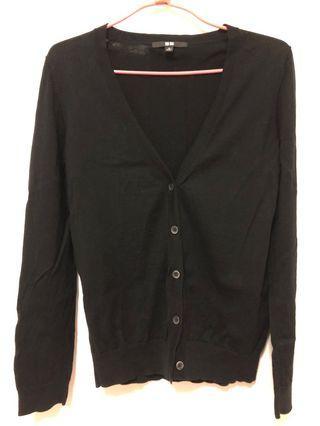 🚚 Uniqlo 素色百搭V領薄長袖外套