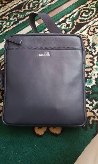 Condotti sling bag like new kinyiz kinyis