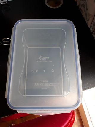Lock n lock container