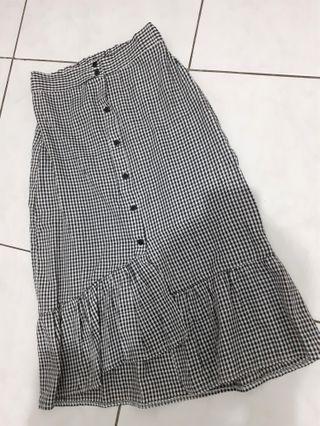 Skirt kotak
