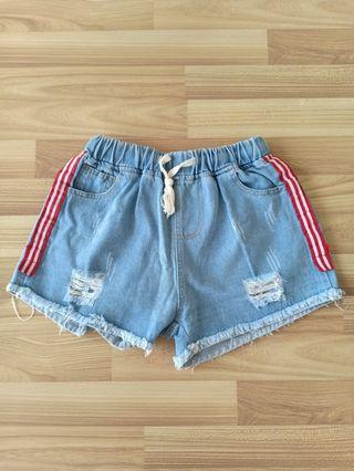 Celana Pendek Ripped Jeans / Denim Shorts