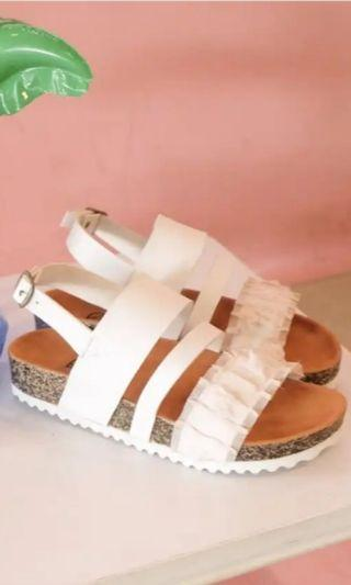 Platforms sandals #trillywhite