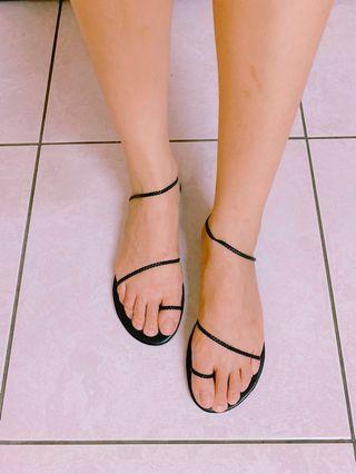 正韓新品-黑色細帶涼鞋