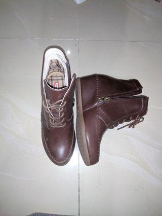 Sepatu Boots High