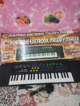 44鍵電子琴