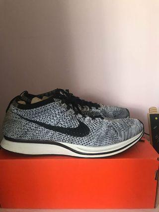 正版二手8成新 Nike racer 跑鞋 us10