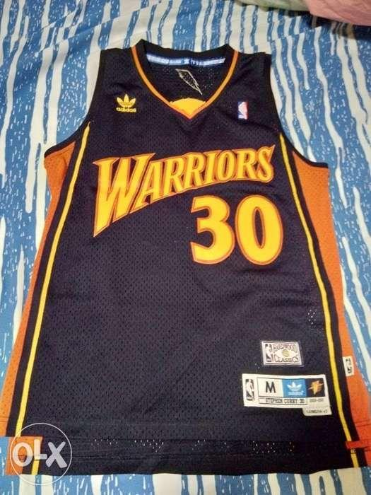 official photos 61ea1 010dd Steph Curry Retro We Believe Jersey on Carousell