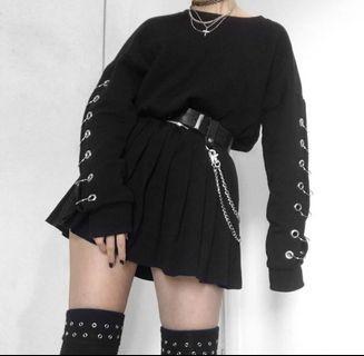 🚚 Forever 21 Black Grommet Ring Pullover Sweater