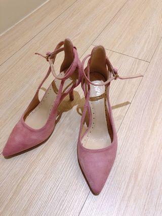 尖頭粉色高跟鞋 鞋底部未撕
