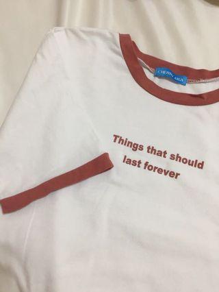紅邊英文文字T恤