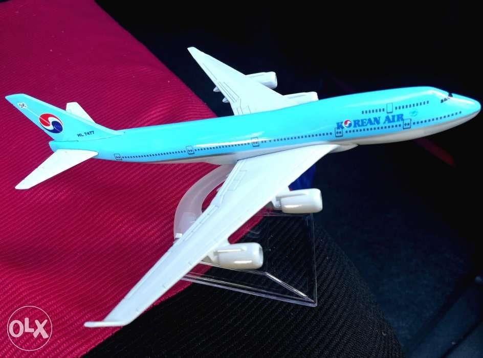 Diecast planes on Carousell