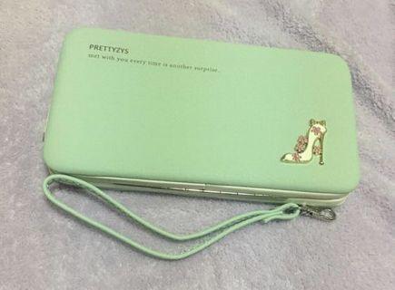🚚 普瑞蒂:小清新錢夾手機包現貨,綠色