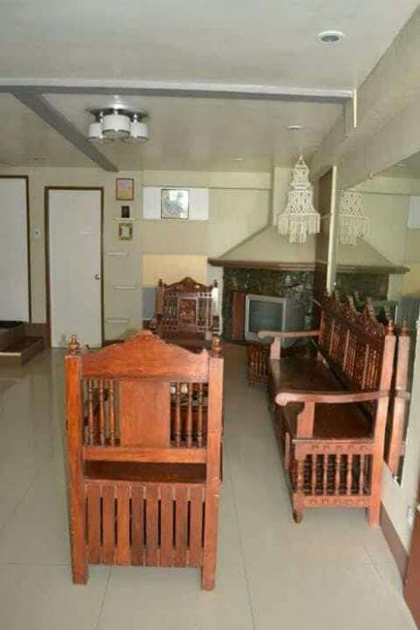 6 Bedrooms 3 bathrooms Baguio transient house