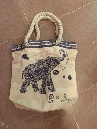AbouThai 阿布泰 tote bag