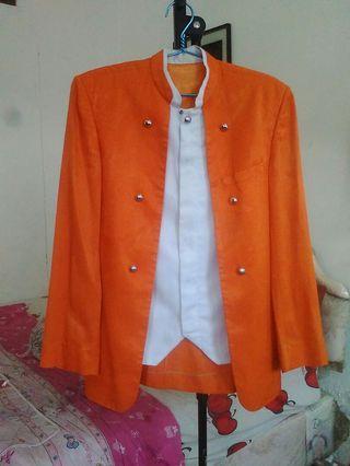 Jas Warna oranye Ukuran : L