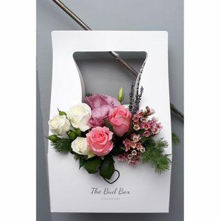 Pink and White Rose bloombox [FREE Delivery]