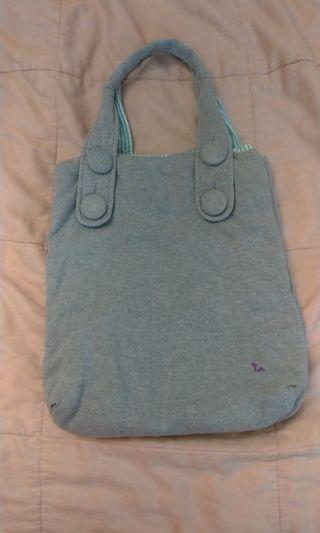 🚚 a la sha 文青風灰色棉布扣3層提包