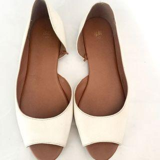 Preloved Flat Shoes H&M White