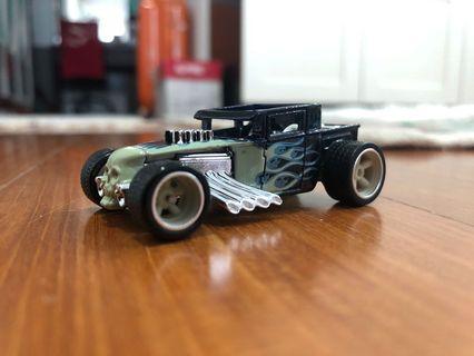 Hot Wheels Loose Larry's Garage Bone Shaker