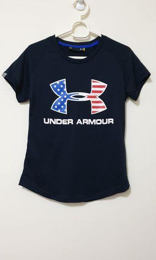 UNDER ARMOUR L 大logo排汗衫