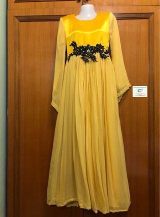 Long dress yellow chiffon