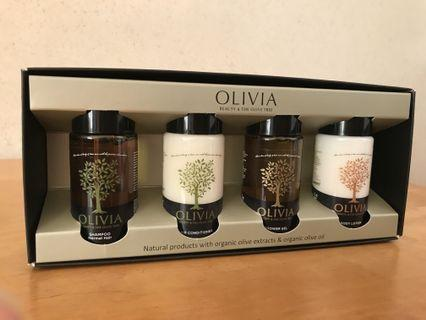 Olivia Gift Set  🎁 Shampoo,Conditioner,Shower gel and Lotion