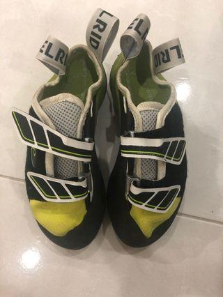 Edelrid 36EU climbing shoes