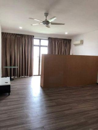 Palazio @Mount Austin Studio Partly Furnish For Rent(Only RM900)