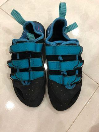 Climbx 38EU climbing shoes