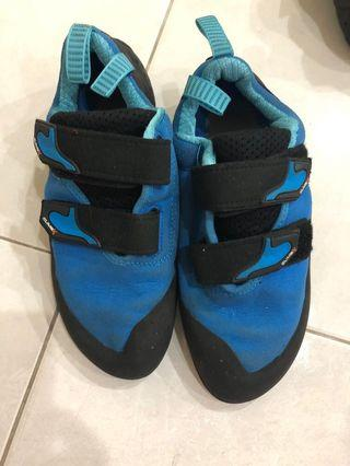 Climbx 40EU climbing shoes