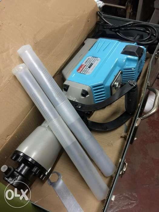 Makita Jack Hammer Demolition Hammer HM95A 3800 watts, Home