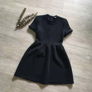 🚚 FLASH SALE: Love Bonito Textured Black A-line Sleeved Dress