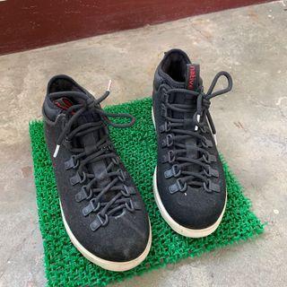 Native 登山鞋
