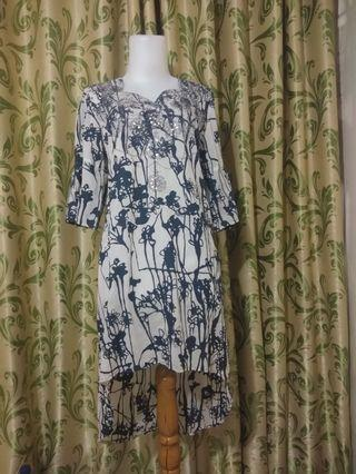 Mididress biru navy
