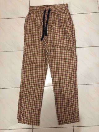 🚚 Checkered Pants