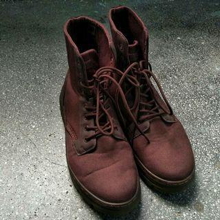 Dr. Martens 暗紅中筒靴 馬汀大夫