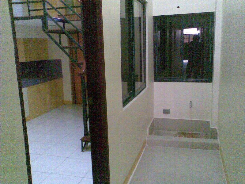 Strange 2 Bedroom Apartment Loft Type For Rent In East Rembo Home Remodeling Inspirations Basidirectenergyitoicom