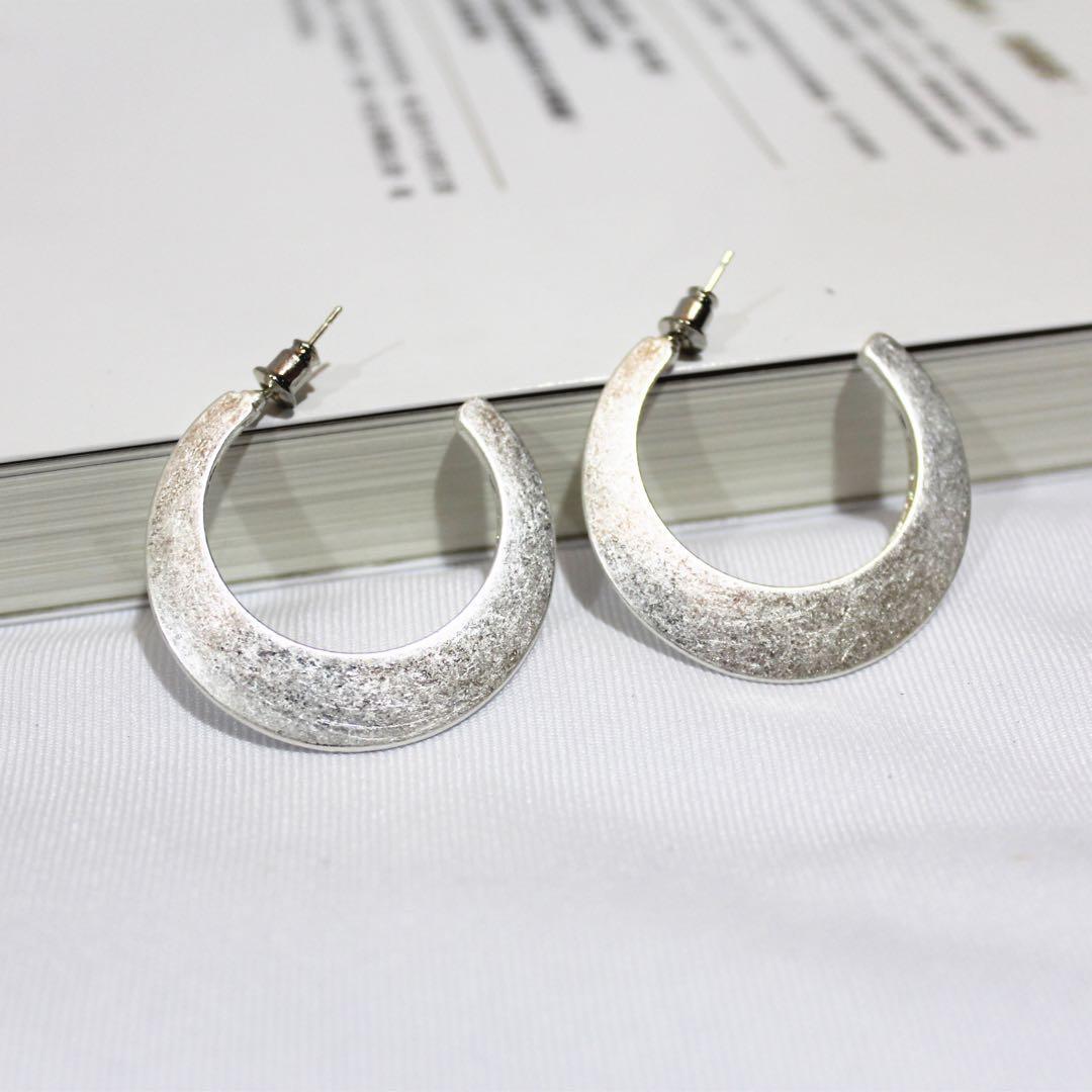 (全新)下弦月耳環 925純銀