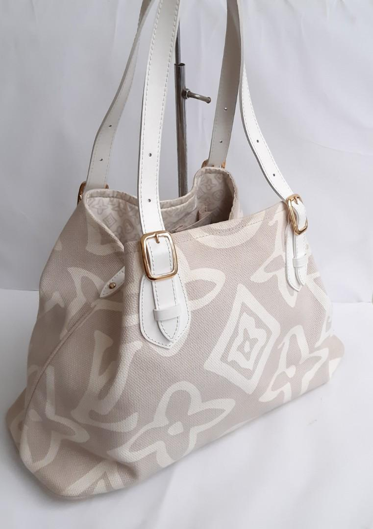 Authentic Rare Limited Edition Louis Vuitton Tahitien in Beige🛍👛👜🍃👗