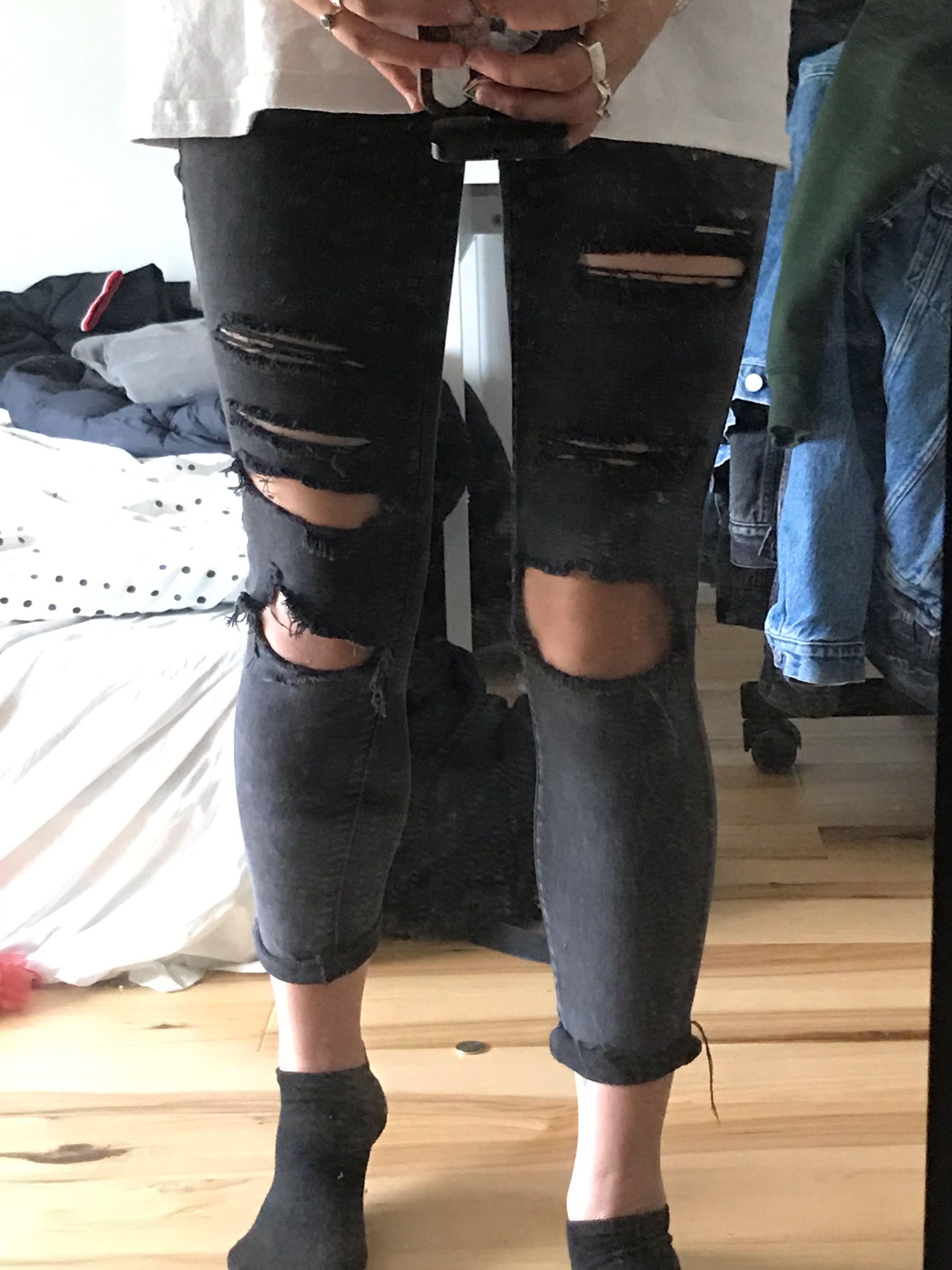 Black AE Skinny Distressed Jeans