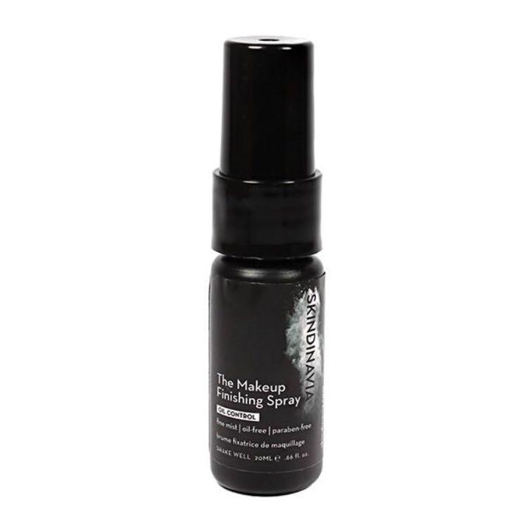 Brand new skindinavia make up finishing spray oil control  20 ml (16 hour makeup!!)
