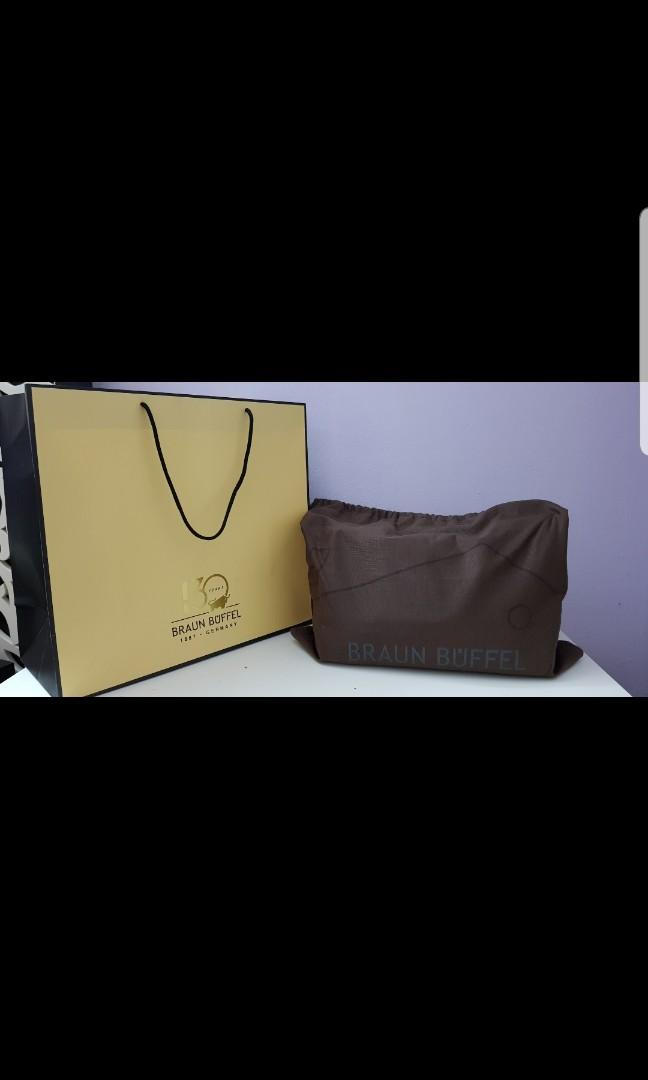 Braun Buffel bag -free leather polish for lifetime at any braun buffel boutique